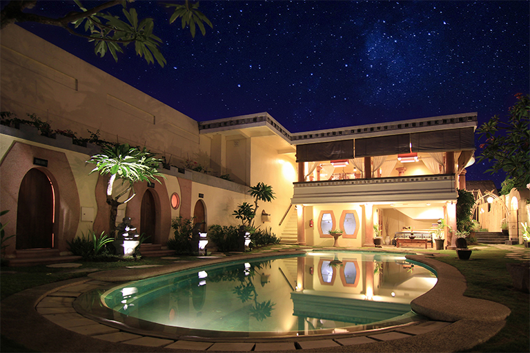 Beautiful night sky with spa pool view